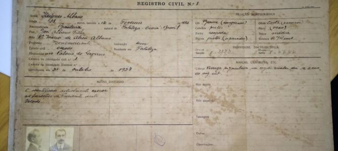 Restauração de documentos históricos: 1ª Identidade do Estado